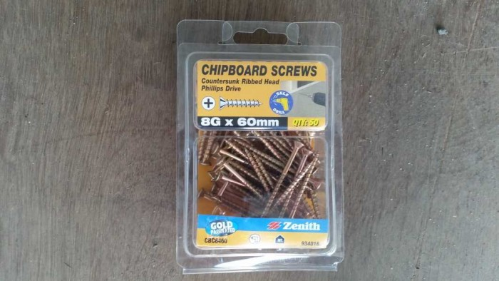 Screws for container chocks
